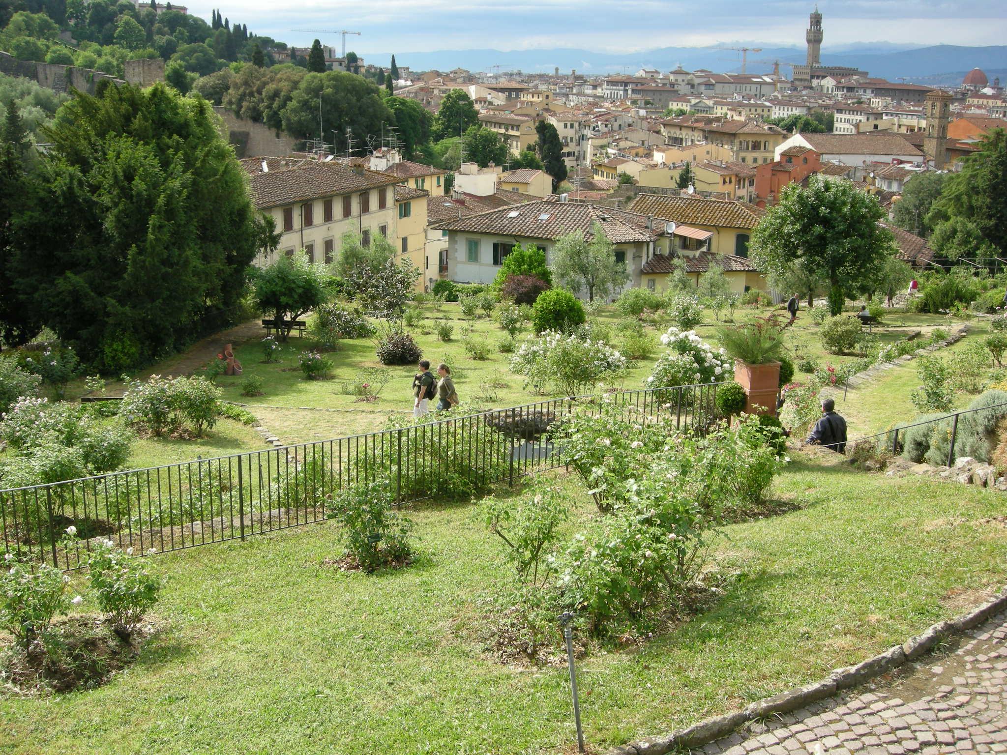 Italian botanical heritage giardino delle rose - Giardino con rose ...